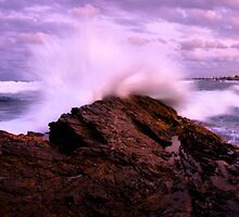 Currumbin Splash by Nickie