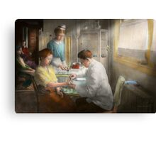 Doctor - Applying first aid - 1917 Canvas Print