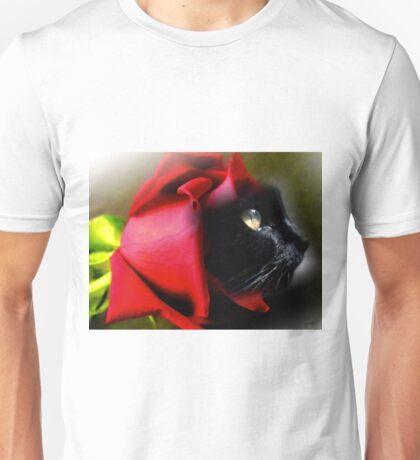 Black Cat in Red Rose Unisex T-Shirt