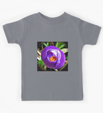Heart of Gold - Purple Crocus with Yellow Centre Kids Tee