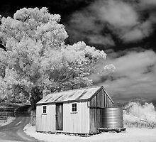 Apple Pickers Hut by Ian Robertson