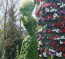 Elsa Topiary Flower and Garden Festival- Epcot by caileystavern