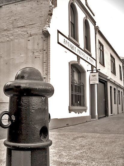 ANTIQUE ALLEY - HOBART Tasmania by MrSnapHappy