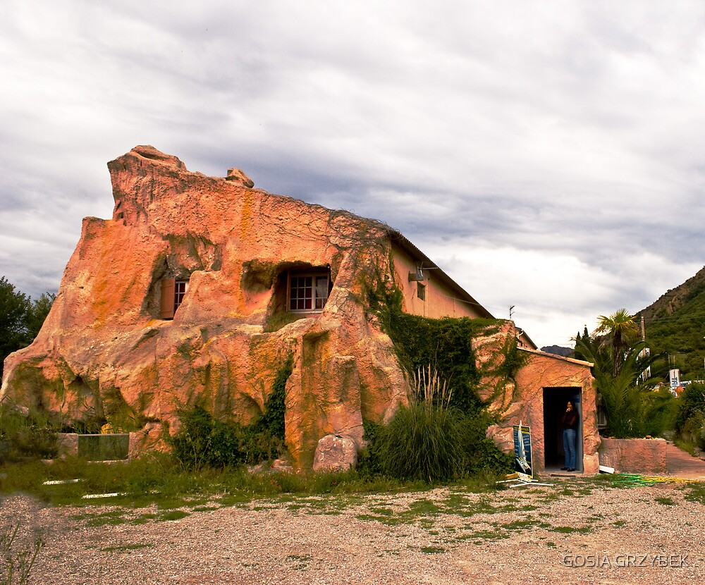 Nature Home in Cap Esterel France by GOSIA GRZYBEK