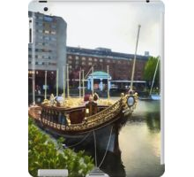 Golden Boat - Gloriana, The British Royal Barge iPad Case/Skin