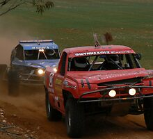 #81 James Madden gaing on #440 Robert Gwynne at Waikerie Enduro by Nick Galliford