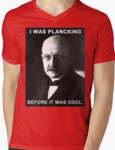 Max Planck physics joke Mens V-Neck T-Shirt