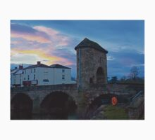 Monnow bridge, Monmouth, Wales, at sunset Kids Clothes