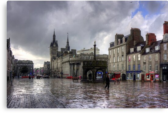 Aberdeen in the rain by Tom Gomez