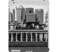 Old Royal Naval College, Greenwich set against Canary Wharf, London iPad Case/Skin