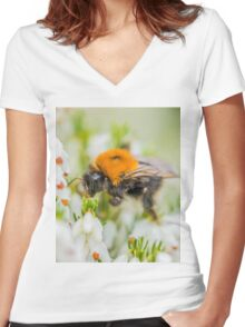 Tree Bumble Bee Women's Fitted V-Neck T-Shirt