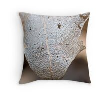 dessicated leaf Throw Pillow