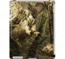 Natural environment diorama - A owl attacking a hedgehog iPad Case/Skin