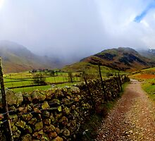 The Path to Mickleden by mikebov