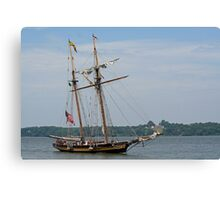 Pride II and Mount Vernon Canvas Print