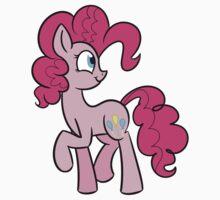 Pinkie Pie by squirrelsphere