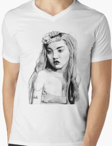 Devon Aoki portrait Mens V-Neck T-Shirt