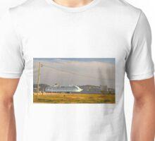 cruz quebrada. cruise. barra de lisboa Unisex T-Shirt