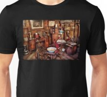 Dentist - The doctor will be with you soon  Unisex T-Shirt