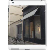 Pa-ris iPad Case/Skin