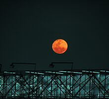 Red Moon Rising by EyeZFoTo