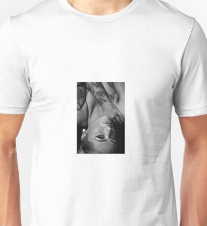 Look in to my eyes Unisex T-Shirt