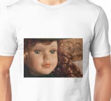 beautiful vintage scarlett o'hara toy doll Unisex T-Shirt