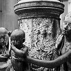 Sad statues... by Arnaud Lebret