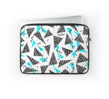 Missy - 80s Retro, Throwback Memphis Inspired Design Housse de laptop