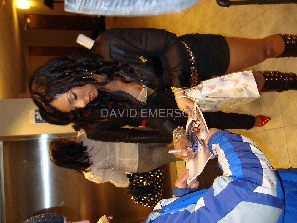 ASHANTI SIGNING AUTOGRAPHS FOR FANS by DAVID EMERSON