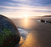 Moeraki Sunrise by Michael Breitung