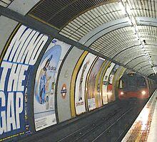 Mind the gap by Snicksnack