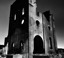 Creepy Ruins by Chris  Randall