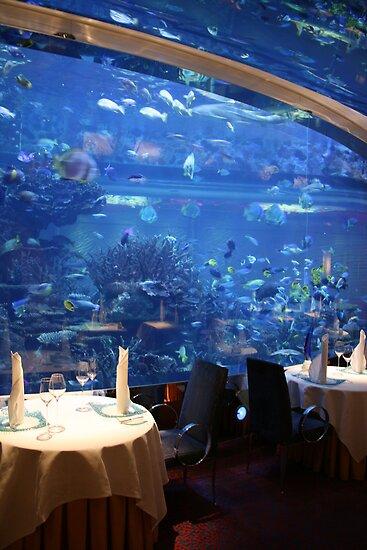 Underwater Dinning - Burj Al Arab by Francisco Vasconcellos