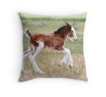 Fast foal Throw Pillow