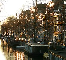 Winter light at a canal in Amsterdam by jchanders