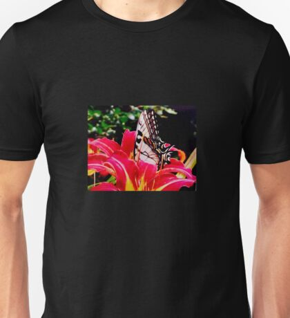 Butterfly on Hot Pink Lily Unisex T-Shirt