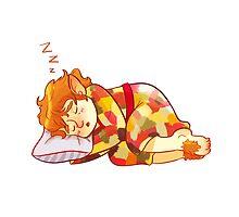 Sleepy Bilbo by taryndraws
