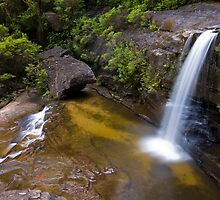 Blue Mountains Waterall by Graham Midgley