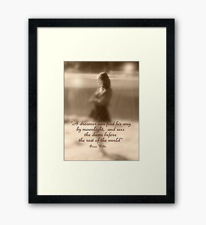 Rêve Framed Print