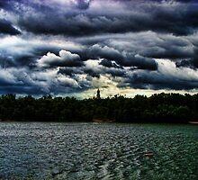 Dnieper River - Kiev, Ukraine by LudaNayvelt
