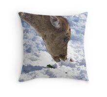 mmm snow Throw Pillow