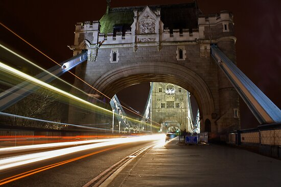 Tower Bridge Entrance by Richard Leeson