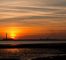Solent Sunset by Paul Hutchinson