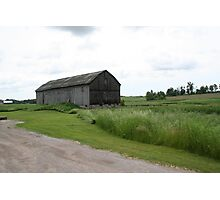 barn in field Photographic Print