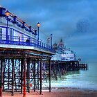 Pier & Starlings, Eastbourne. by fasteddie42