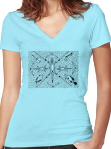 Mayoorr - natural permanent fish trap / Back in black Women's Fitted V-Neck T-Shirt