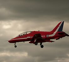 Red arrow landing by qwerty123104