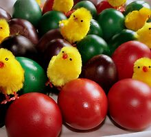 Colorful eggs and chicks by sstarlightss