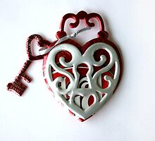 Recycled Aluminum Can Magnet - Dr Pepper Heart Locket by kmstudio